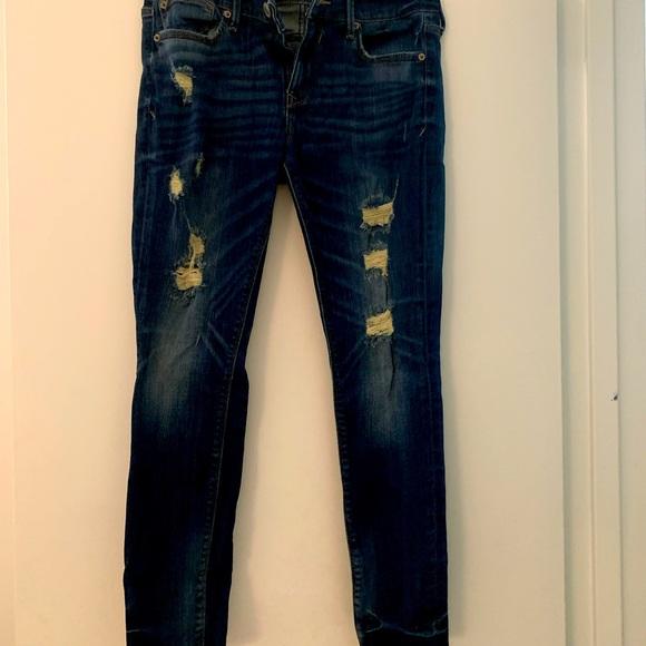 Sz 8 petite Express distressed skinny Jeans
